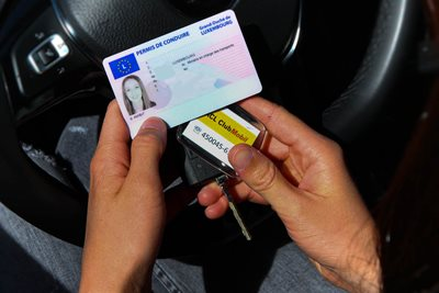 Point-based license - How does the points-based licence work?